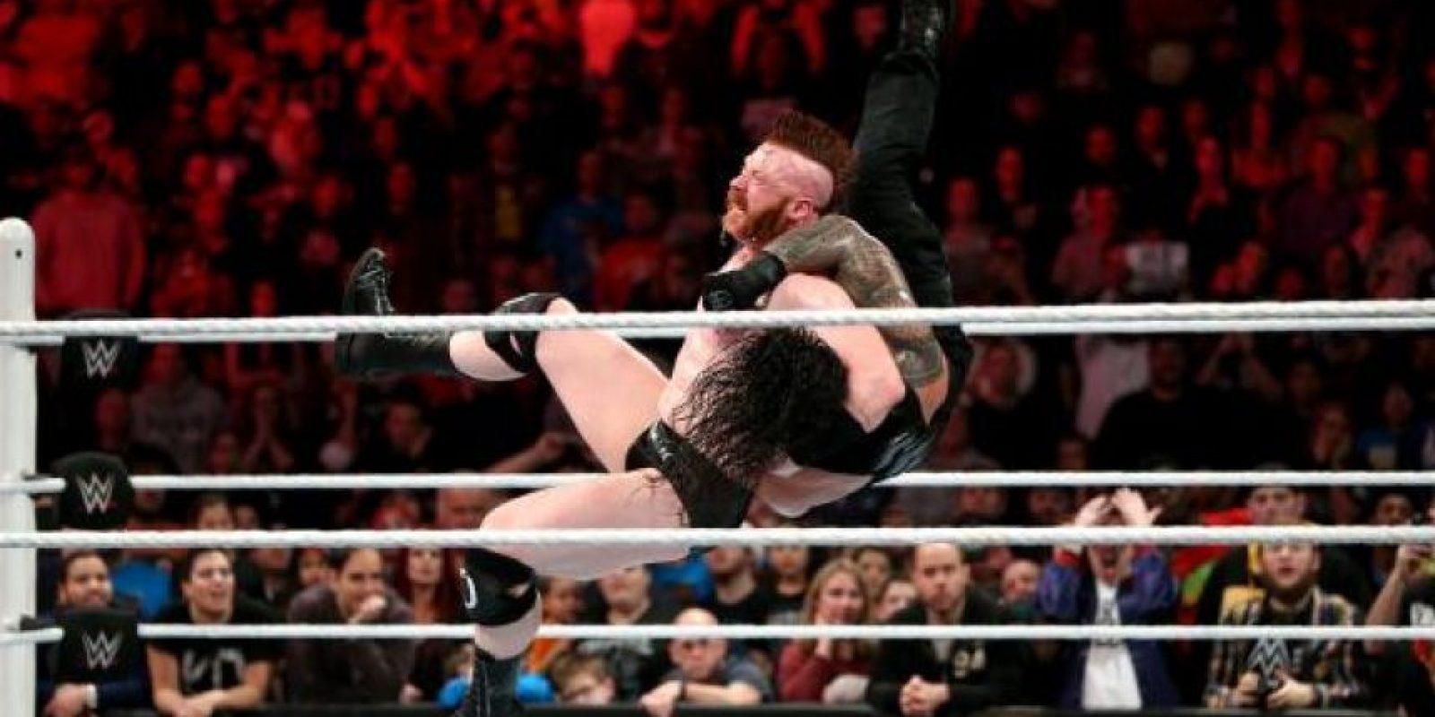 5. Fue nombrado Jugador Defensivo del Año por el Pensacola News Journal en su etapa colegial Foto:WWE