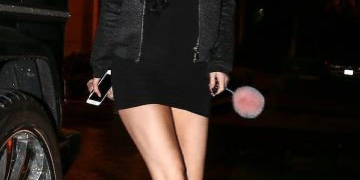 Kylie Jenner fue traicionada por su diminuto vestido en medio de la lluvia