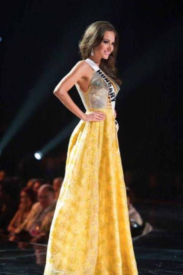 Aquí también el contraste de materiales es burdo. Foto:vía Facebook/Miss Universe
