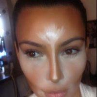 Se llama contouring. Muy usada, desde ahí, por blogueras de maquillaje y estrellas la han copiado. Foto:vía Getty Images
