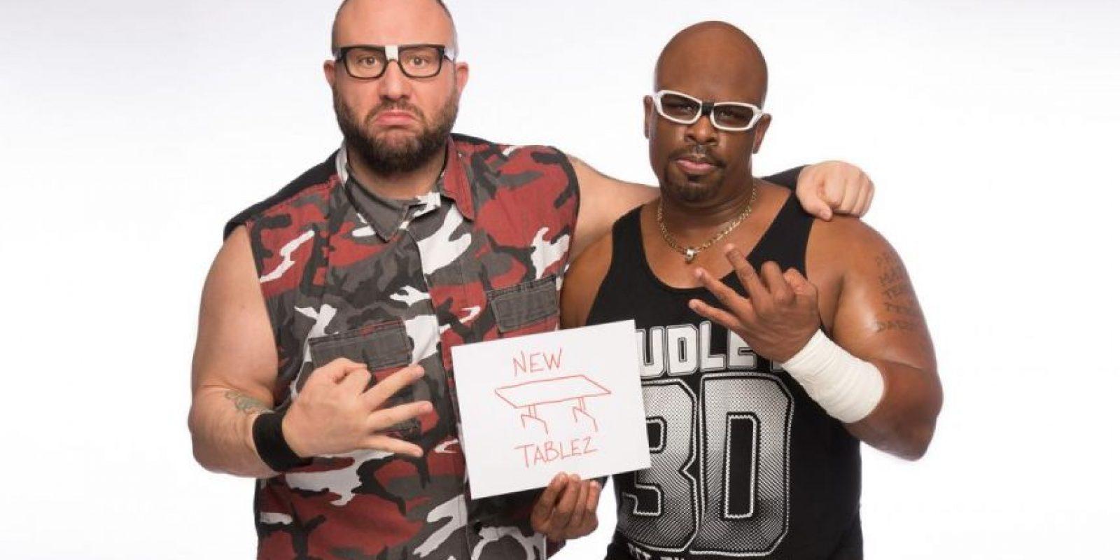 The Dudley Boyz son felices con una nueva mesa Foto:WWE