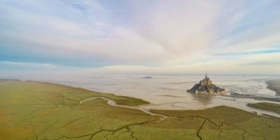 Mont Saint Michel, en Normandía, Francia Foto:Vía Dronestagr.am