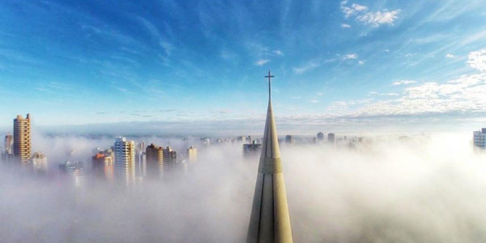 Sobre la niebla en Maringa, Paraná, Brasil. Foto:Vía Dronestagr.am