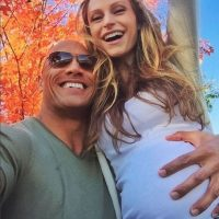 Dwayne Johnson celebró la llegada de su primera hija con Lauren. Foto:Instagram/therock