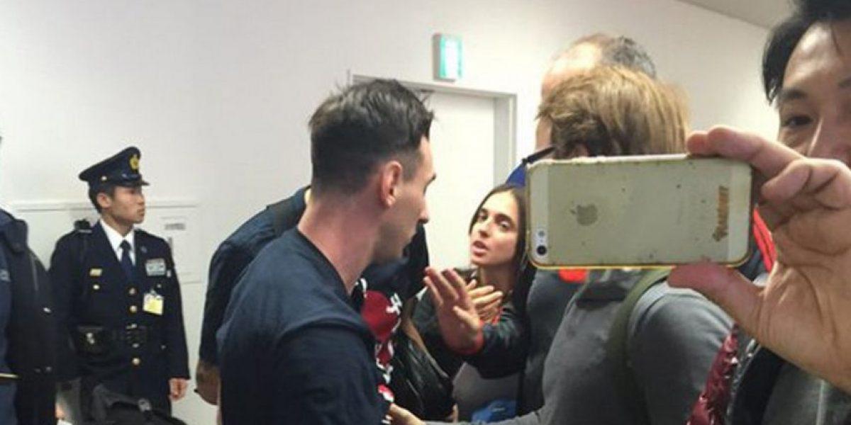 Hinchas de River Plate atacan a Messi en aeropuerto de Tokio