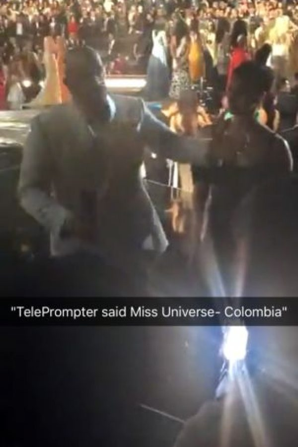 """El Teleprompter decía Miss Universo – Colombia"" señaló Steve Harvey Foto:Snapchat – Miss Universe"