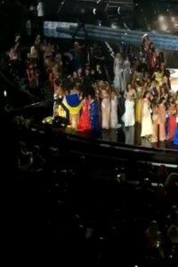 Y cómo el resto de las participantes le brindaron su apoyo Foto:Snapchat – Miss Universe