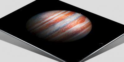 Se trata de la tableta electrónica más grande jamás creada por Apple al medir 12.9 pulgadas en diagonal y 5.9 millones de megapíxeles que le otorgan una gran resolución. Foto:Apple