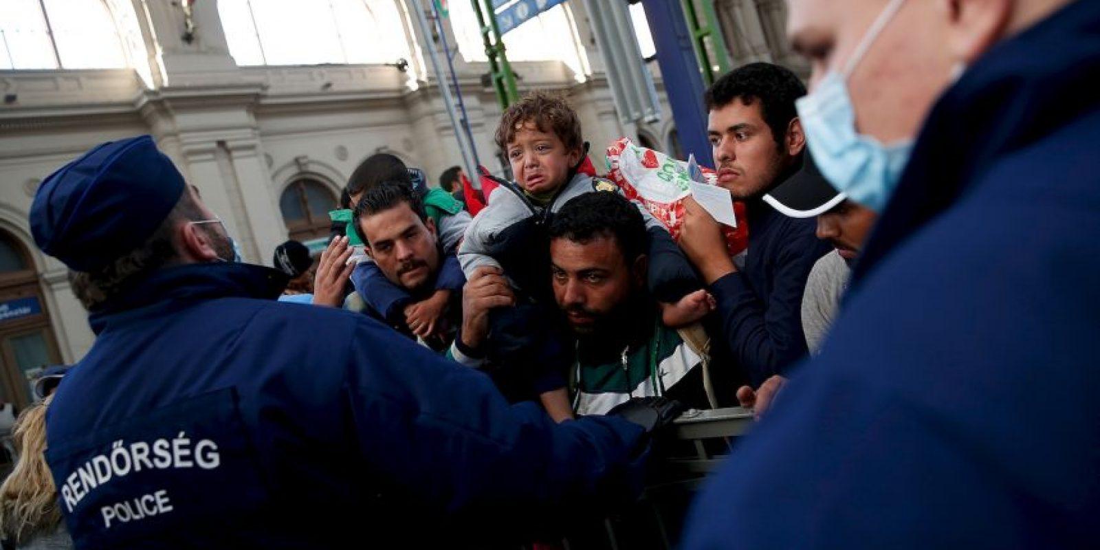 Milies de refugiados abandonan Europa por diferentes razones. Foto:Getty Images