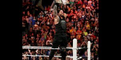 En uno de los últimos Raw del año, el samoano venció a Sheamus Foto:WWE