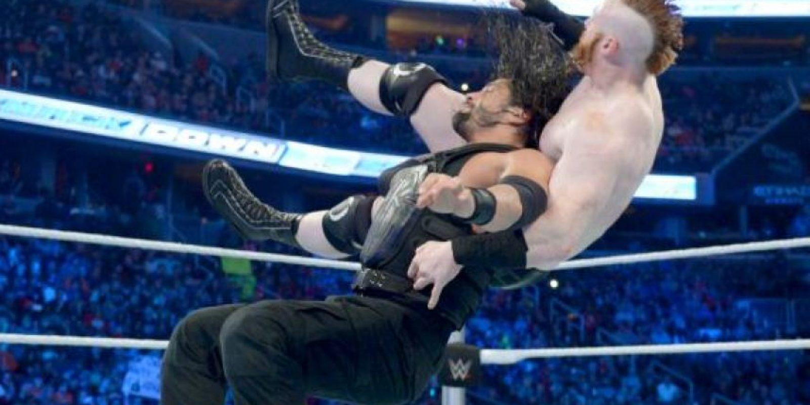 Reigns se coronó campeón, luego de vencer a Sheamus en el Raw del pasado 14 de diciembre Foto:WWE