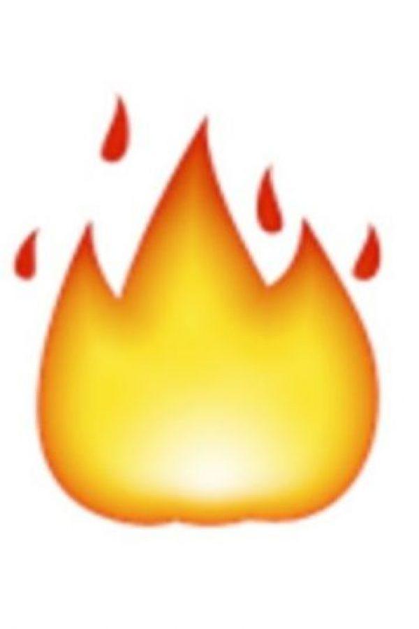10- Fuego. Foto:vía emojipedia.org