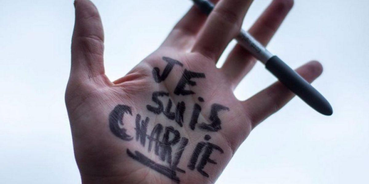 Así es la portada de Charlie Hebdo a un año de los ataques terroristas
