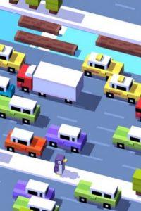 """¿Por qué cruzó la calle la gallina? ¿Por qué la paloma dejó """"eso"""" allí? ¿Por qué el unicornio se comió todas esas golosinas? Crossy Road es el saltarín incansable de los videojuegos que no querrán dejar jamás. Foto:HIPSTER WHALE"""