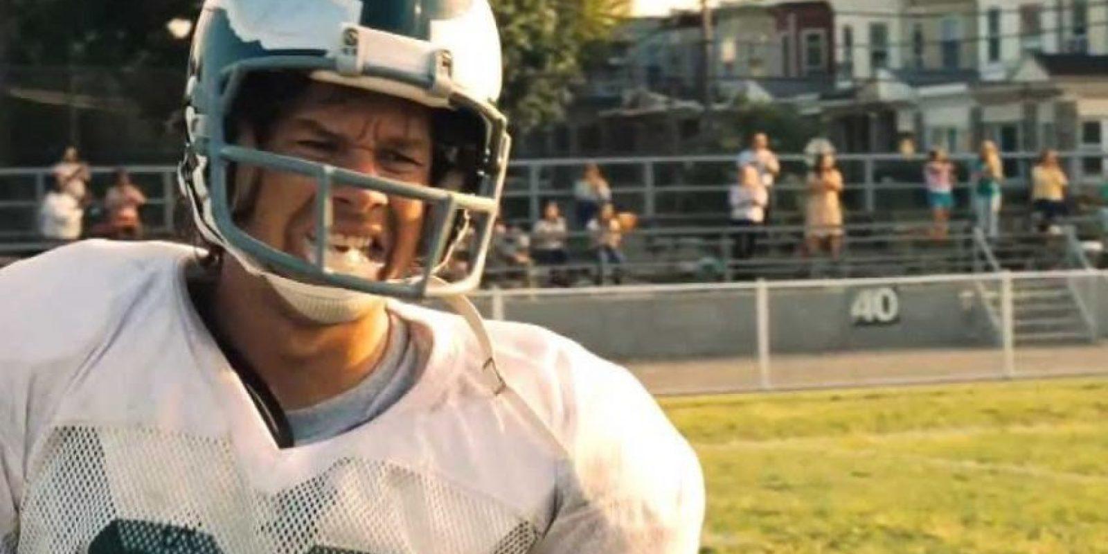 Es la historia de Vince Papale, quien en 1976 tenía 30 años y trabajaba en un bar, aunque su pasión siempre fue el fútbol americano. Un día se presentó la oportunidad de hacer prueba en las Águilas de Filadelfía, donde debe enfrentar muchos retos con sus compañeros para cumplir su sueño de jugar en la NFL. Foto:Disney Pictures