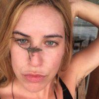 A la hija de Bruce Willis tampoco le incomoda mostrar su vello axilar en cada uno de sus selfies. Foto:vía twitter.com/scoutwillis