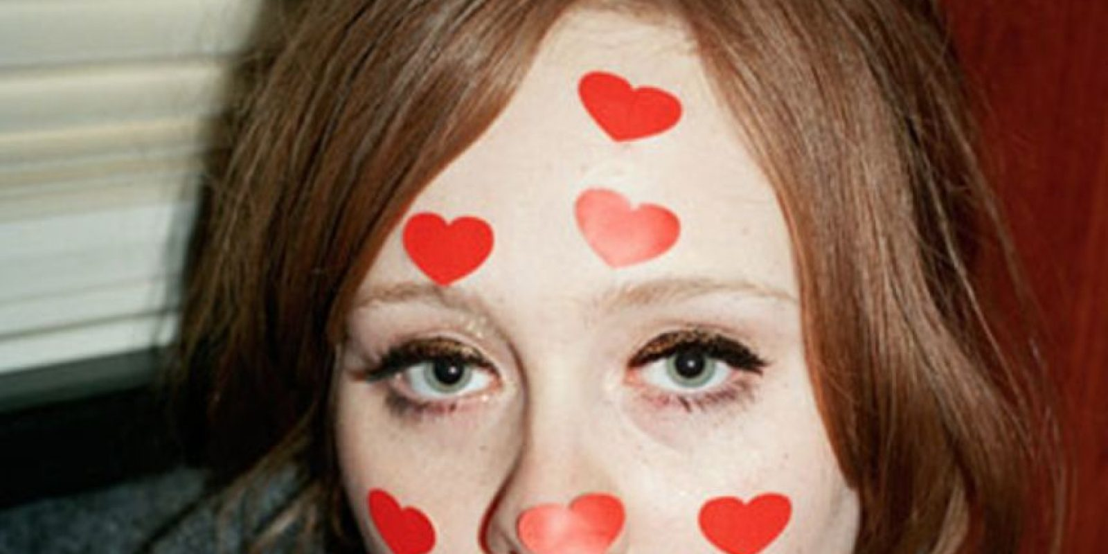 Rompieron y él comenzó con otra mujer. Foto:vía AlexSturrock.com