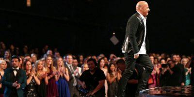 """""""Cuando me entregaron el premio pensé en Paul. El amor combinado de todos nos ayudó a superar su partida"""", añadió. Foto:vía Getty Images"""