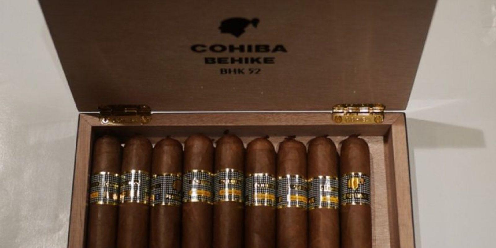Puros Cohiba Behike 56. Este cigarro se comercializa solamente bajo pedido exclusivo de sus distribuidores. Foto:Vía Instagram
