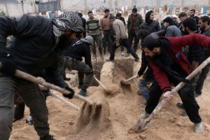 En Siria, se celebraron entierros masivos. Foto:AFP