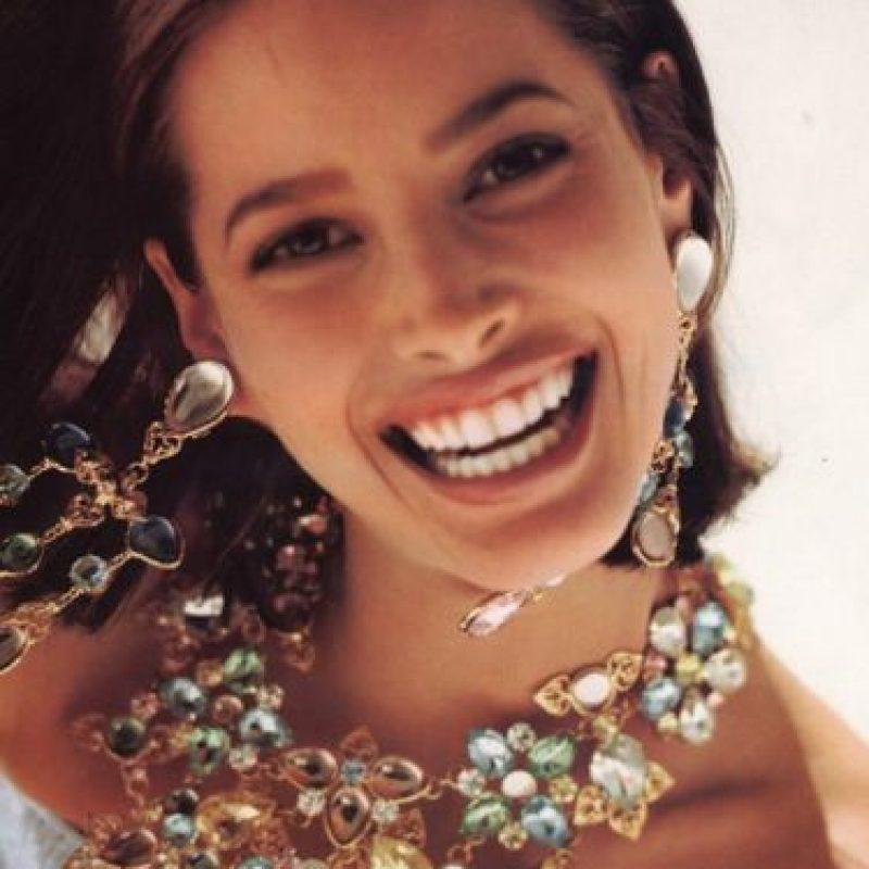"""Era parte de la """"Trinidad"""", junto con Naomi Campbell y Linda Evangelista, ya que siempre aparecía fotografiada por Steven Meissel. Foto:vía Vogue"""