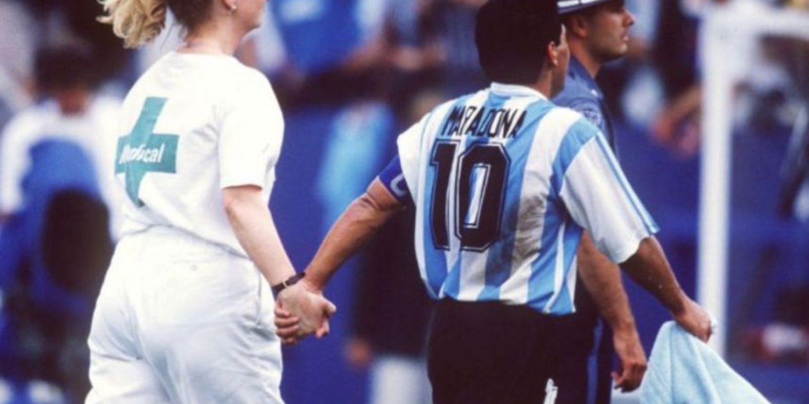 """2. Diego Armando dio positivo en el Mundial de 1994, después de jugar contra Nigeria. Fue su último partido con la """"Albiceleste"""" Foto:Getty Images"""