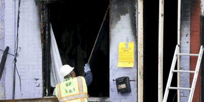 Los bomberos creen que todo se debió a que una cobija se quemó con un calentador Foto:AP