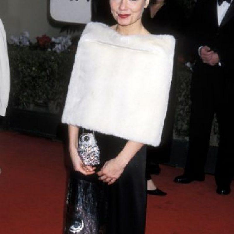 Björk parecía un copito de algodón gigante en 2001. Eso es mejor que tener un cisne muerto en tu pecho. Foto:Getty Images