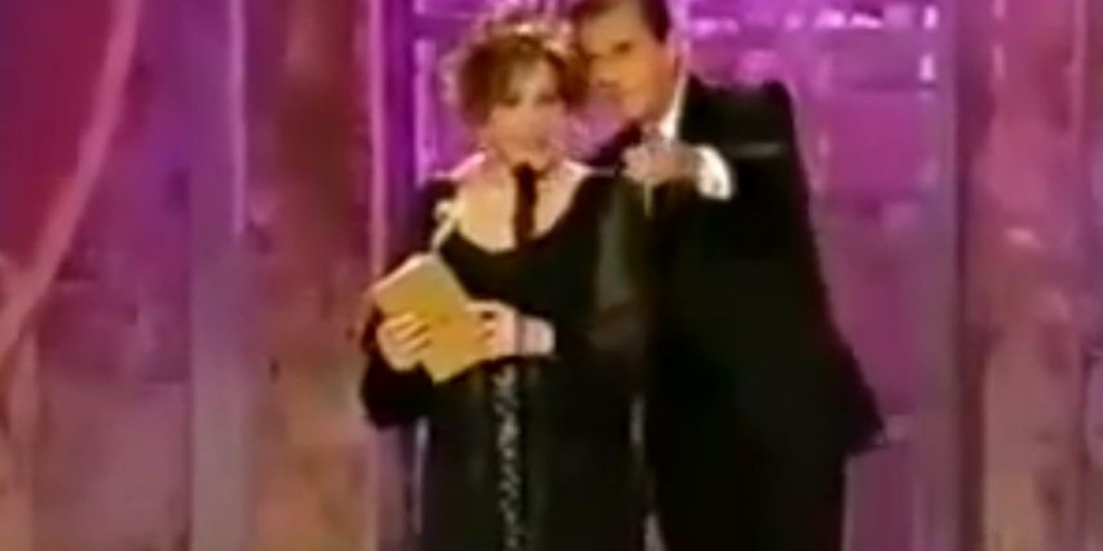 Mejor aún: Elizabeth Taylor borracha en 2000 Foto:NBC