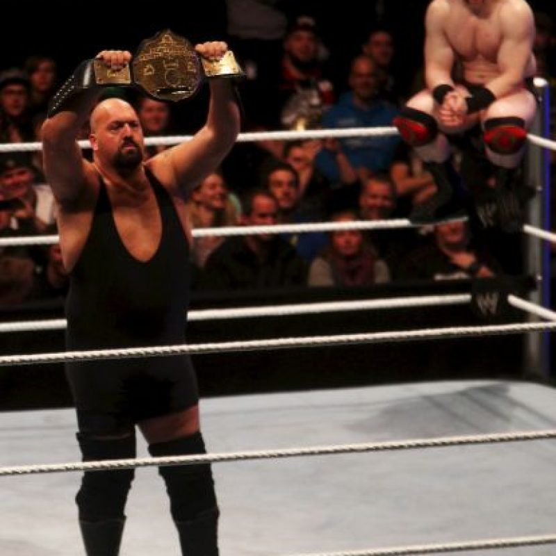 1.35 millones de dólares + Autobús personal en los tours de la WWE Foto:Getty Images