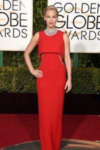 Jennifer Lawrence, en una silueta con cutouts de Dior. Foto:vía Getty Images