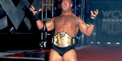 Fue uno de los peleadores más deseados por Vince McMahon, pero después de muchos esfuerzos, la WWE logró integrarlo a sus filas. Foto:WWE