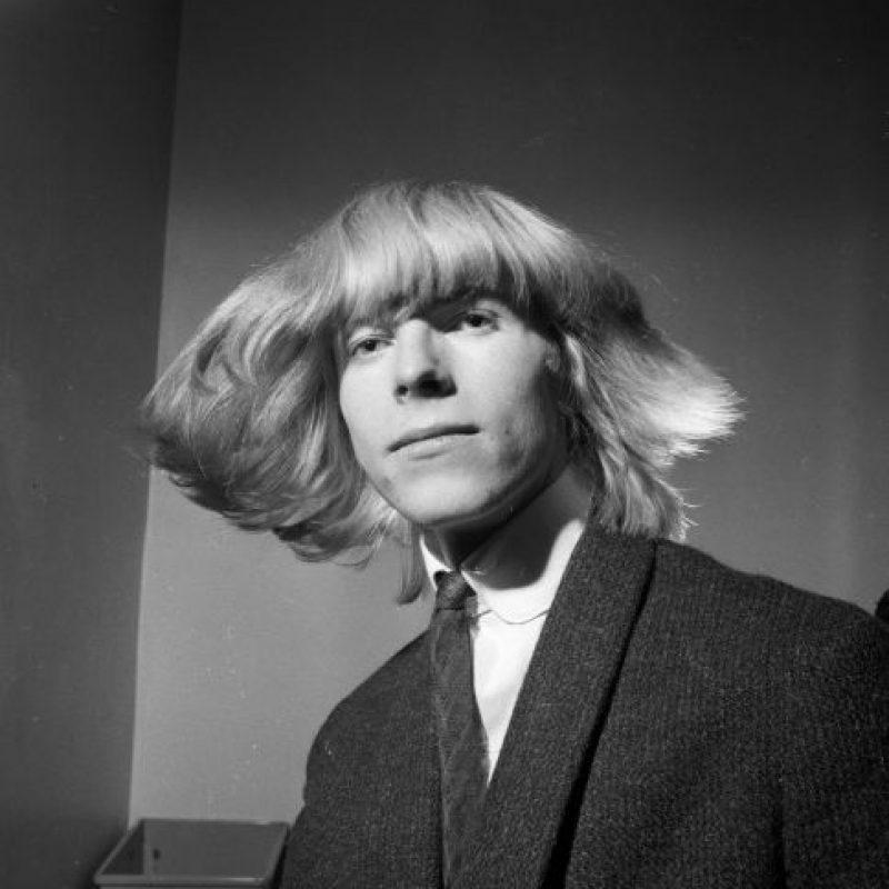 """1. """"Space Oddity"""" se editó en 1969 y la canción del mismo nombre fue utilizada por la BBC en la cobertura del alunizaje. Foto:Getty Images"""
