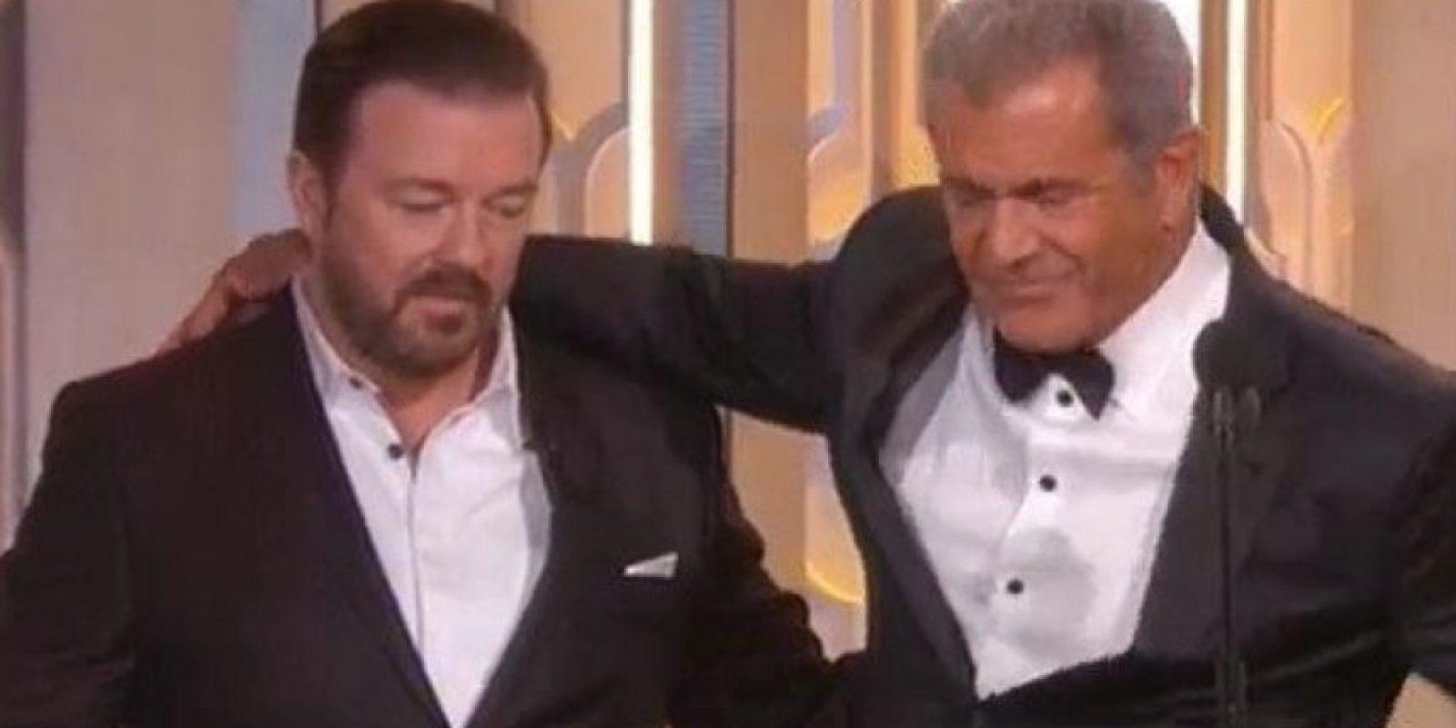 """Exiliado de Hollywood por su escándalo con su ex Oksana Grigorieva. Él presentó a """"Mad Max"""". Foto:vía Twitter"""