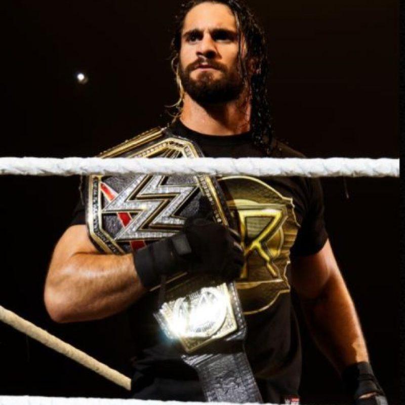 Fue Campeón Mundial de Peso Pesado de la WWE del 29 de marzo al 5 de noviembre de 2015 Foto:WWE