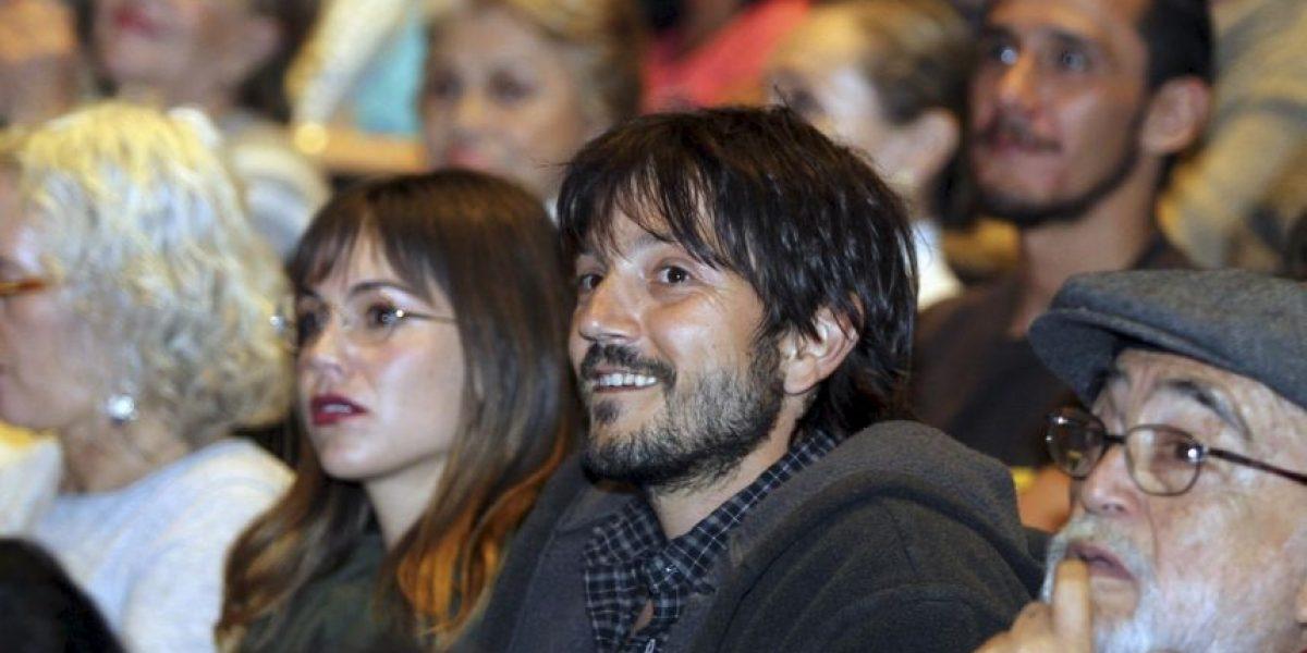 Diego Luna reaparece con su exesposa luego de años separados