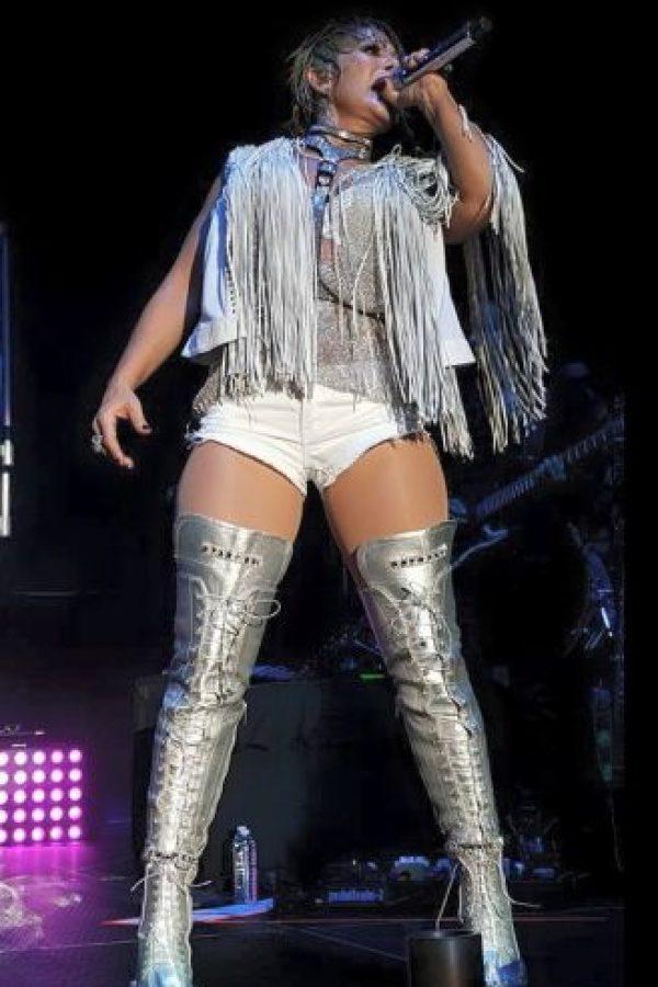 La cantante también ha sido acusada de actuar en fiestas privadas de los principales capos del narcotráfico. Ella nunca ha aceptado tales hechos. Foto:Vía facebook.com/laguzmanoficial