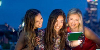 Ideal para selfies en condiciones de poca luz. Foto:vía lumee.com