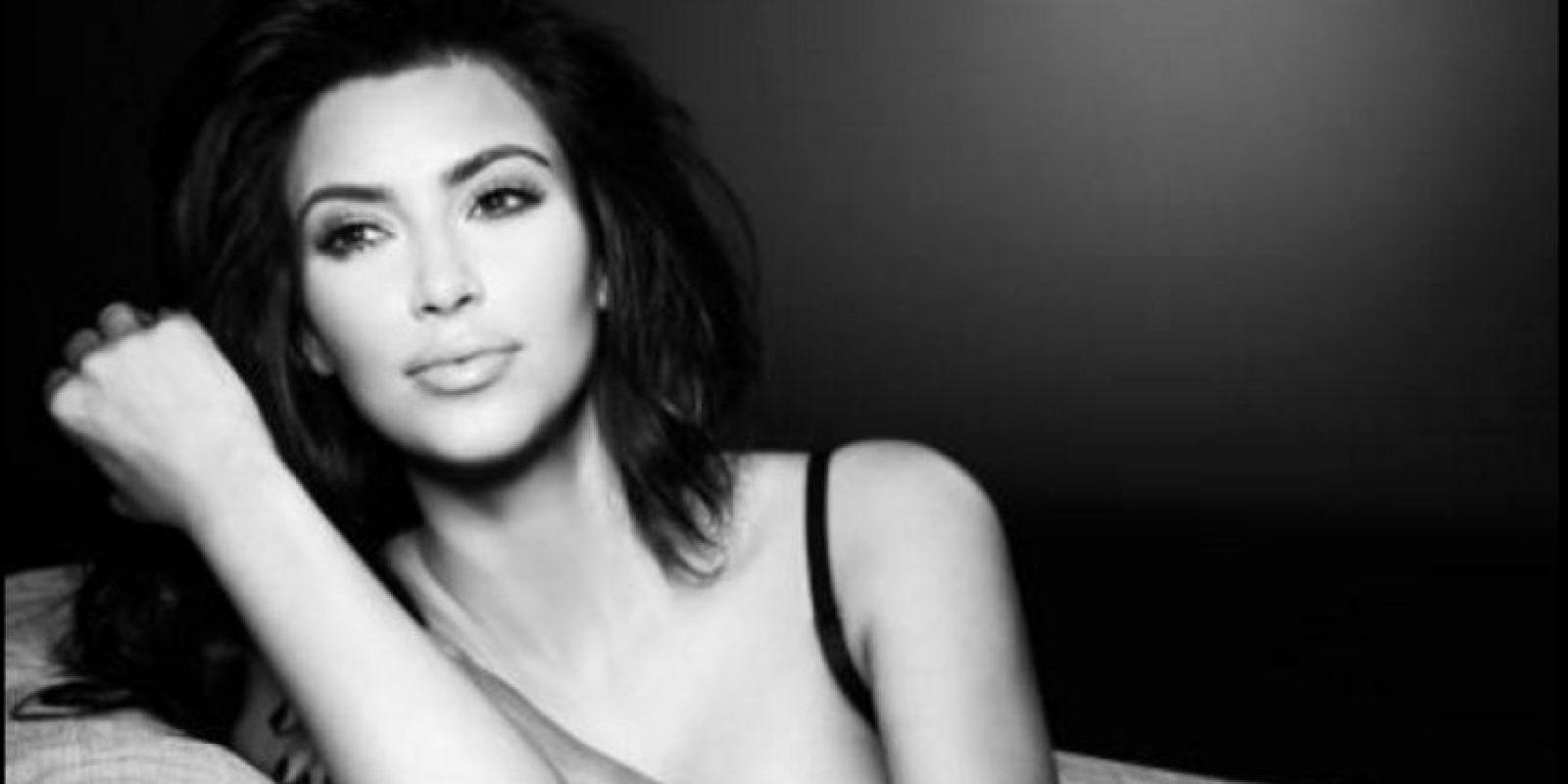 6- Kim Kardashian, socialité estadounidense. Foto:facebook.com/KimKardashian