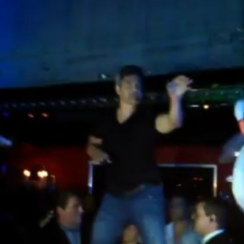 Fue captado en estado de ebriedad en un bar de Córdoba Foto:Twitter