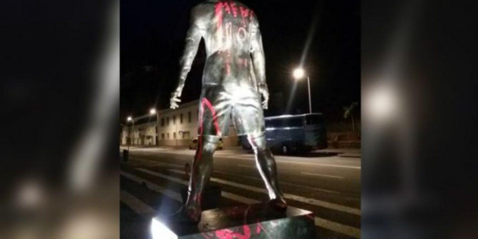 Así pintaron la estatua de Cristiano Ronaldo Foto:Twitter