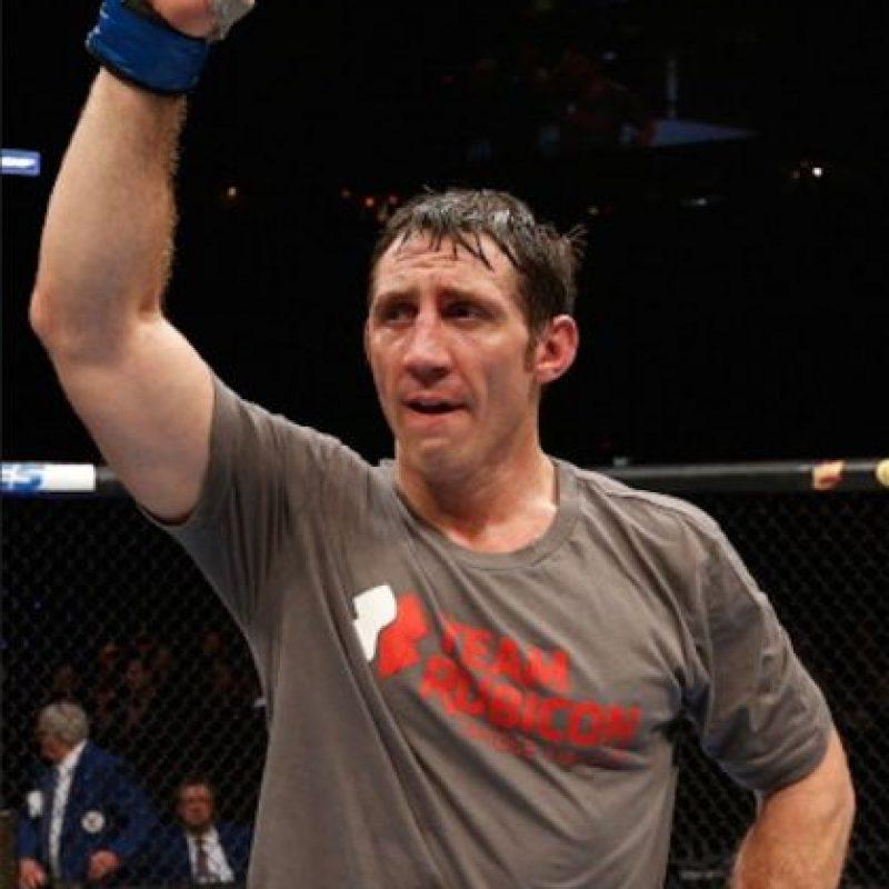 Tiene un récord en las artes marciales mixtas de 18 peleas ganadas y cinco derrotas Foto:Vía instagram.com/timkennedymma