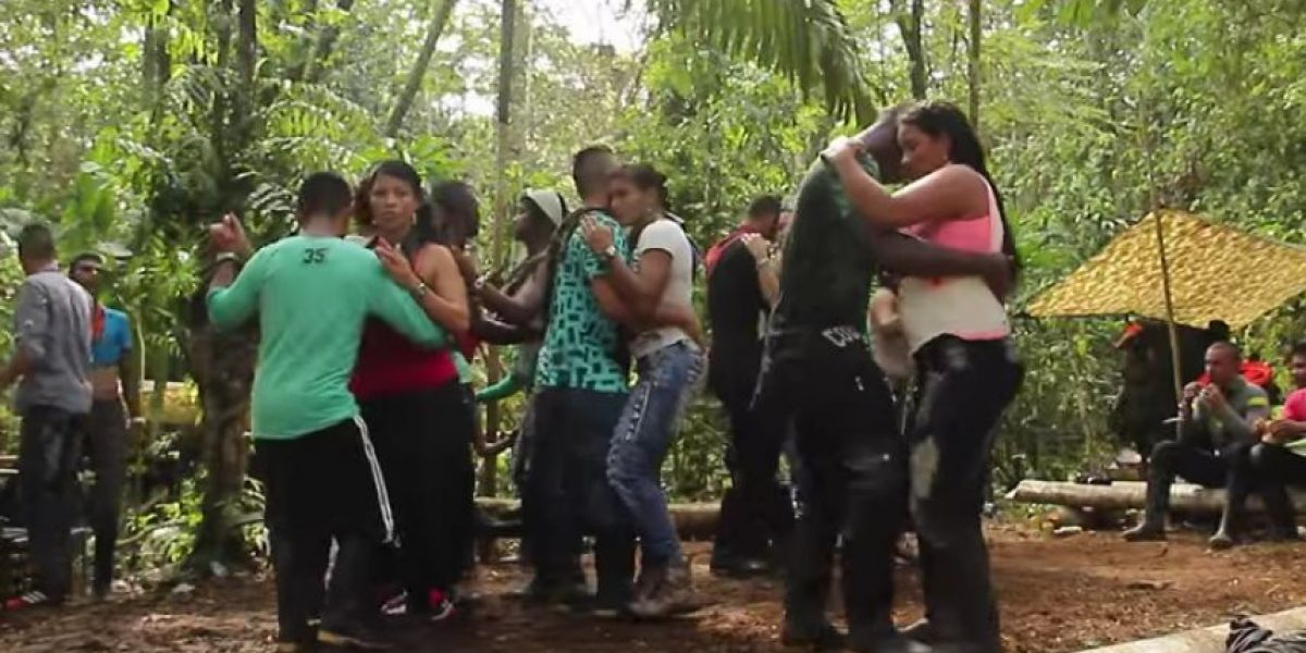 Video: Así celebraron las Farc el fin de año en la selva