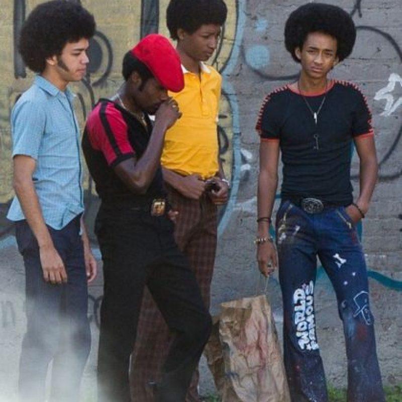 A través de sus vidas y la música, una banda de adolescentes del sur del Bronx cuenta la mítica saga de cómo se transformó la ciudad de Nueva York en los años setenta. Foto:Netflix