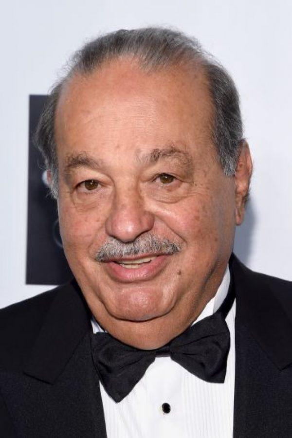 El origen de la fortuna de este empresario mexicano son sus negocios en las telecomunicaciones. Foto:Getty Images