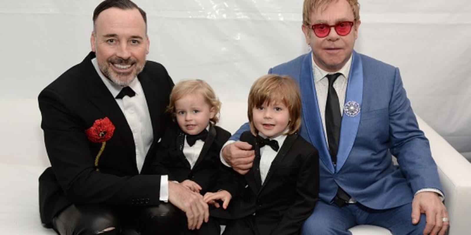 Ahora está con David Furnish. Tienen dos hijos. Foto:vía Getty Images