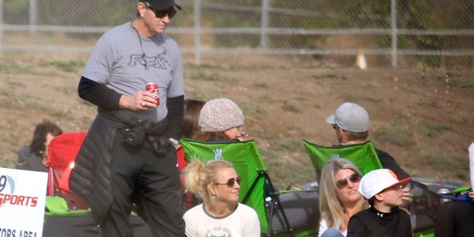 """La """"princesa del pop"""" disfrutó del partido de fútbol americano de su hijo en Thousand Oaks, California. Foto:Grosby Group"""