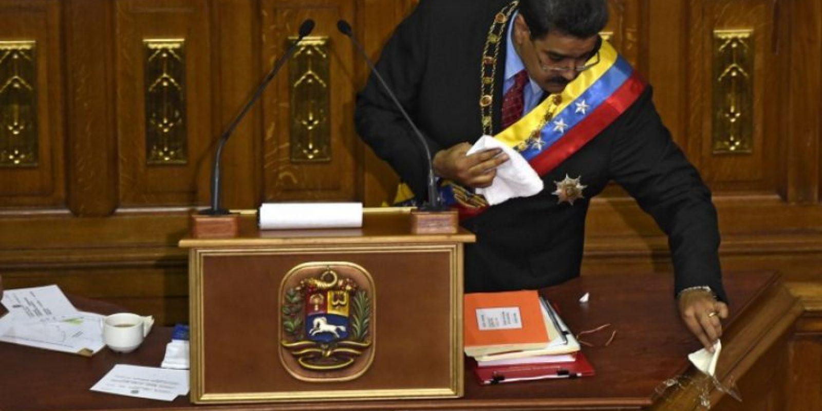 Y advirtió una confrontación en caso de que la Asamblea Nacional no lo acepte, esto debido a que en su mayoría está ocupada por la oposición. Foto:AFP