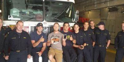 Bomberos encontraron celular perdido y miren lo que hicieron Foto: Vía Facebook.com/nathan.buhler