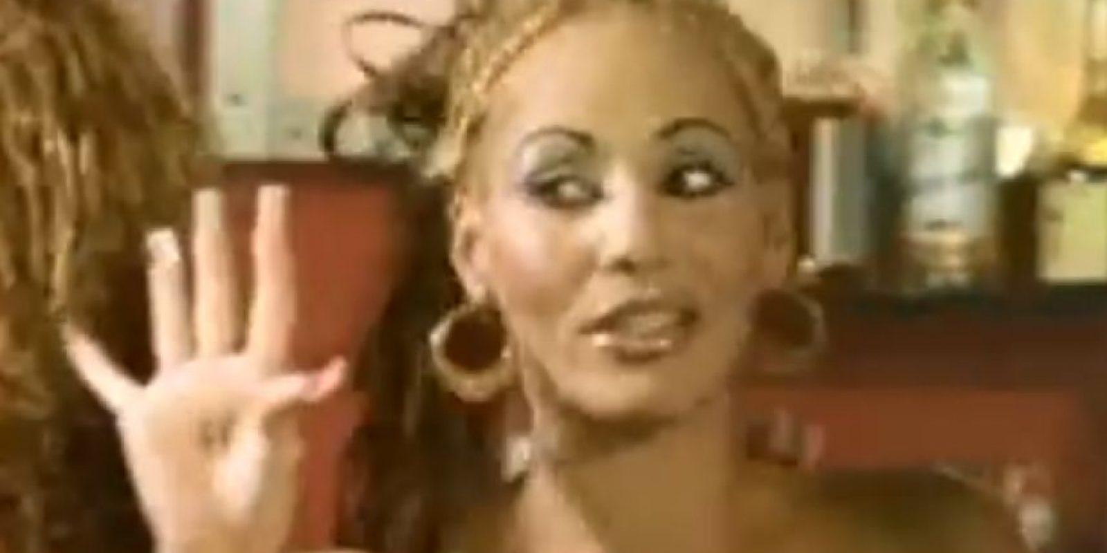 """Cuando regresó a Puerto Rico, entró en contacto con DJ Negro, quien la incluyó en su proyecto """"Noise"""". Allí escribió una cancikón muy famosa: """"Somos raperos pero no delincuentes"""". Foto:vía Youtube"""